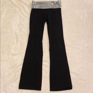 Black PINK Victoria's Secret Flare Leggings